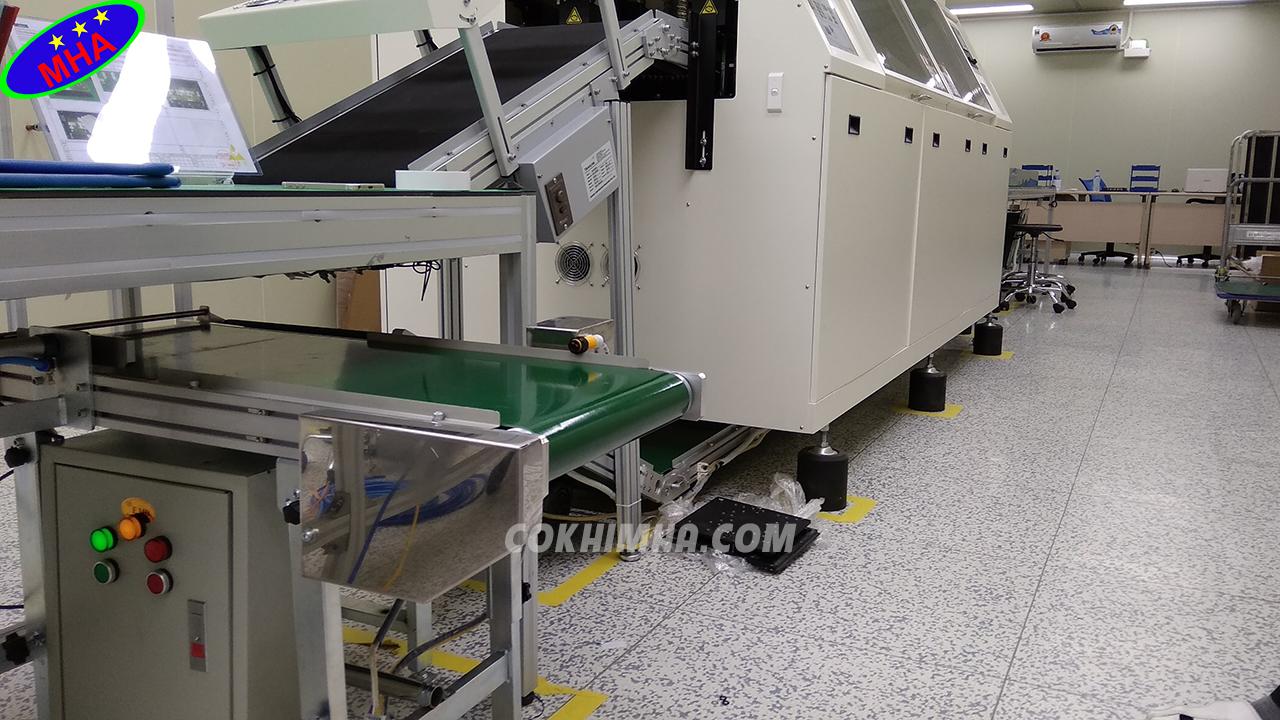 Băng tải PVC cấp sản phẩm