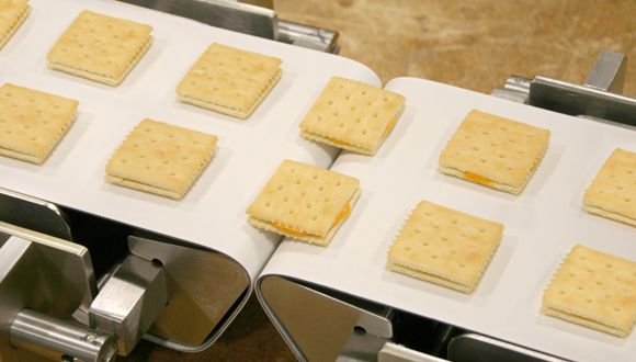 băng tải thực phẩm sản xuất bánh kẹo