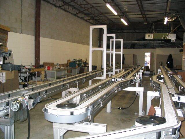 hệ thống băng tải xích công nghiệp