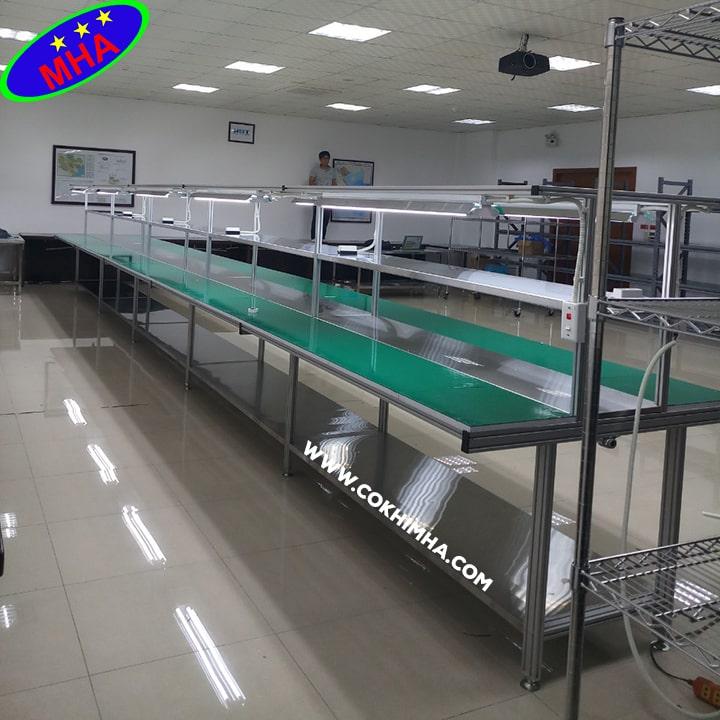 Băng tải sản xuất điện tử